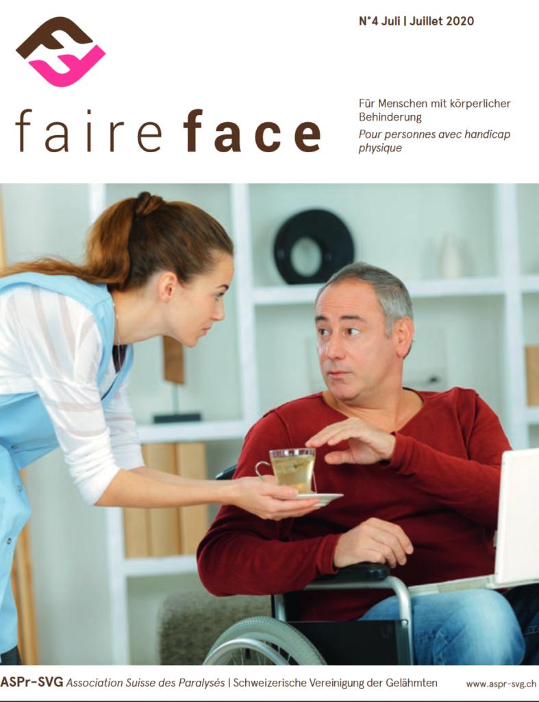 Titelbild Magazin faire face Frau reicht einen Tee an einen im Rollstuhl sitzenden Mann